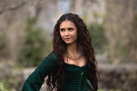 Кэтрин Пирс – прическа из сериала «Дневники вампира». Как сделать прическу, как у Кэтрин Пирс?