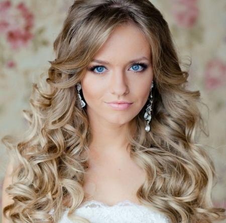 Свадебная прическа с распущенными волосами. Особенности
