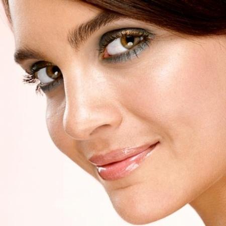 Макияж для светло-карих глаз. Варианты нанесения
