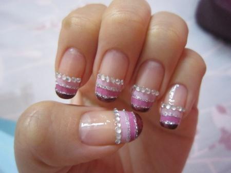 Дизайн ногтей стразами. Варианты