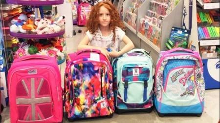 Покупаем портфель школьнику