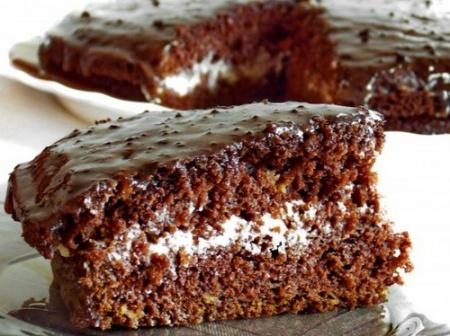 Кекс с какао и сметанным кремом